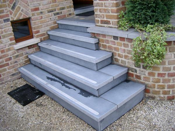 Natuursteen trap dit moet je weten dedoruin - Trap in een helling ...