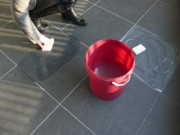 Een natuursteen vloer is erg duurzaam, slijtvast en met de juiste ...