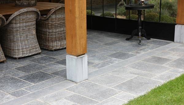 Natuursteen Tegels Schoonmaken : Onderhoud van natuursteen terras dedoruin